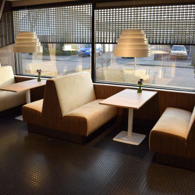 Davant TREINBANK met tafel T02 120x60 en lamp Karboxx BABEL